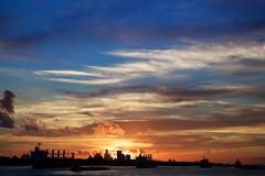 Burning NOLA (- FMD -) Tags: sunset sky sun rio skyline clouds canon river mississippi landscape atardecer twilight travels louisiana neworleans paisaje viajes cielo nubes crepsculo 6d eeuu nuevaorleans 2470mm luisiana franphotography