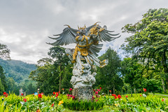 _71K4715.jpg (Pete Finlay) Tags: bali statue bedugul hindustatue balibotanicgarden