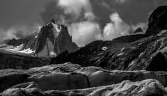 Sa Majest la Tour Ronde (Frdric Fossard) Tags: alpes altitude glacier chamonix crevasse couloir alpinisme hautesavoie valleblanche tlphrique srac glacierdutacul tourronde massifdumontblanc facenord