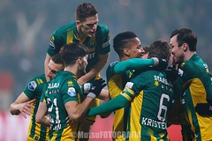 DenHaag vs Twente (Kwmrm93) Tags: sports netherlands sport canon football fussball soccer denhaag celebration futbol celebrate futebol abrazo fotball celebrating voetbal fodbold calcio deportivo fotboll  deportiva eredivisie esport fusball  fotbal jalkapallo  nogomet fudbal  votebol fodbal kyocerastadion