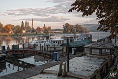 la marina le matin DxOFP LM+35_P0755 (mich53 - Thanks for 2500000 Views!) Tags: morning autumn trees sky france seine clouds sunrise automne river landscape boat bateaux ciel arbres nuages paysage pniche fluss barge brume matin fleuve landscap plaisance hausboot  paisible limay pleasureboats manteslajolie borddeseine summiluxm35mmf14asph tlmtre mantesenyvelines leicamtype240