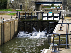 The Lock at the Marina, Yalding, Kent (GABOLY) Tags: england river march kent lock medway 2016