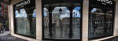 Reflermica (jose alb) Tags: nikon valladolid panoramica reflejo plazamayor cristal escaparate d610 josealberto reflermica