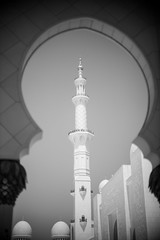 Mosque 11 (monochromia - jeremy chivers) Tags: march naturallight mosque abudhabi 2016 sheikhzayedmosque