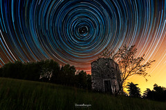 Observatory (Daniele Bisognin) Tags: wood old light sky tree green colors grass night stars ruins circles hill
