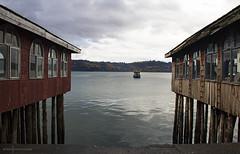 Quietud chilota (Eneko Bustamante) Tags: chile lake water ship castro isla chilo palafitos chilote