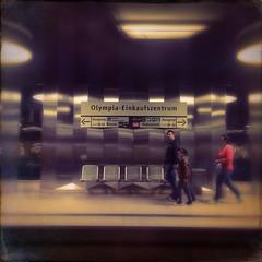Olympia Einkaufszentrum 2 (Casey Hugelfink) Tags: people mall subway munich mnchen metro stripes platform streetphotography seats shoppingmall ubahn subwaystation bahnsteig ubahnstation metrostation streifen oez olympiaeinkaufszentrum
