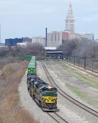 erie 093 (Fan-T) Tags: railroad tower paint downtown cut ns cleveland union terminal erie rta nkp 1068 heirtage sd70ace compled