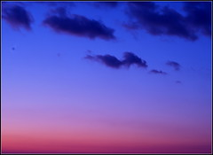 Sunset in Paris (lhoteln) Tags: city sunset sky paris france clouds de soleil solitude colours peace couleurs coucher ciel ville paix ciels dgrad