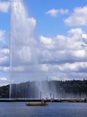 Jet d'Eau on Lake Geneva (Normann) Tags: fountain switzerland geneva jetdeau lakegeneva