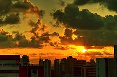 Recife . (Cludio Maranho) Tags: sunset sunshine landscape beleza recife pernambuco streetscenes sunnyday poente 2016 colorart brasilbrazil 850mm cidadesnordestinas d7000 cludiomaranho