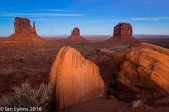Twilight, Monument Valley Navajo Tribal Park (IanLyons) Tags: travel sunset arizona usa sun twilight northamerica afterglow monumentvalleynavajotribalpark westmitten themittens merrickbutte eastmitten oljatomonumentvalley