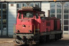 SBB Diesellokomotive Bm 4/4 18424 ( Rangierlokomotive - Lokomotive - Hersteller SLM - SAAS Nr. 4471 - Inbetriebnahme 1965 ) vor dem Depot Holligen bei Bern im Kanton Bern der Schweiz (chrchr_75) Tags: hurni christoph schweiz suisse switzerland svizzera suissa swiss chrchr chrchr75 chrigu chriguhurni chriguhurnibluemailch april 2016 april2016 albumsbbdiesellokomotivebm44 diesellokomotive lokomotive sbb cff ffs bm 44 bahn eisenbahn schweizer bahnen zug train treno albumbahnenderschweiz juna zoug trainen tog tren поезд паровоз locomotora lok lokomotiv locomotief locomotiva locomotive railway rautatie chemin de fer ferrovia 鉄道 spoorweg железнодорожный centralstation ferroviaria