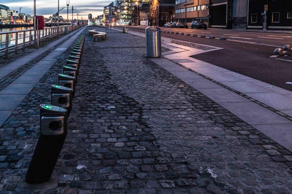 DUBLIN DOCKLANDS AT NIGHT [JANUARY 2016]-110800