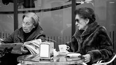 INDIFFERENT (MARKFREUDER) Tags: street people bw monochrome blackwhite fuji exterior gente candid streetphotography fujinon monocromatico xf1855mmf284rlmois fujifilmxt1