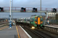 377462 (40011 MAURETANIA) Tags: train brighton transport southern emu britishrail unit 442 387 313 377 govia overallroof
