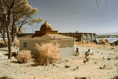 IMG_1838s-2 (francois f swanepoel) Tags: saint southafrica shrine graf islam tomb saints observatory infrared dervish obs quran koran quoran dargah mazaar taphophilia kramat gamediyahcemetery circleofsaints circleofislam westerncapecemetery