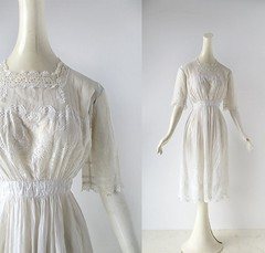 Edwardian tea dress with lace trim and a scalloped hem (Small Earth Vintage) Tags: white dress lace 1910s embroidered edwardian vintageclothing vintagefashion womensfashion teadress smallearthvintage