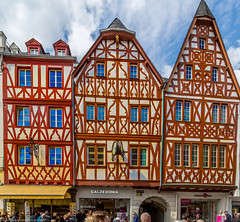 Maison  colombages - Timbered House in Trier (guyvitagasy) Tags: colors architecture germany deutschland photography spring couleurs extrieur allemagne btiment trier farben frhling colombage timbered trves
