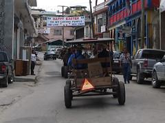 """San Ignacio: des Amish en ville. Nous en croisons aussi régulièrement dans les bus. <a style=""""margin-left:10px; font-size:0.8em;"""" href=""""http://www.flickr.com/photos/127723101@N04/26079342185/"""" target=""""_blank"""">@flickr</a>"""