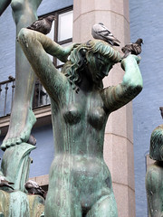 Carl Miles (Ana >>> f o t o g r a f  a s) Tags: sculpture europa europe sweden stockholm schweden escultura sverige scandinavia sthlm estocolmo stoccolma suecia htorget milles carlmilles escandinavia geo:country=sweden canong12 geo:region=europe potd:country=es