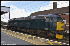 No 57605 Totnes Castle 27th April 2016 Manningtree (Ian Sharman 1963) Tags: old castle station train oak diesel no great engine rail railway loco trains class western april locomotive common eastern railways derby 57 27th gwr totnes mainline 2016 manningtree geml 57605