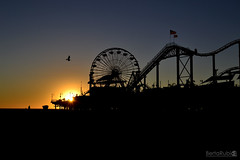 Santa Mnica Pier (BRubioPhotography) Tags: california sunset people beach pier losangeles phone time santamonica population expectation muelledesantamonica