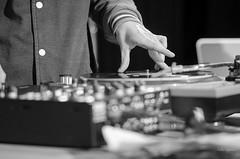 Dj Vega, S D.J, Mjc Pont des Demoiselles, Toulouse (lyli12) Tags: france monochrome festival soleil nikon dj noiretblanc expression culture toulouse scratch mjc artiste turntablism hautegaronne midipyrnes vinyle platine mixage mapcu d7000 stolosa