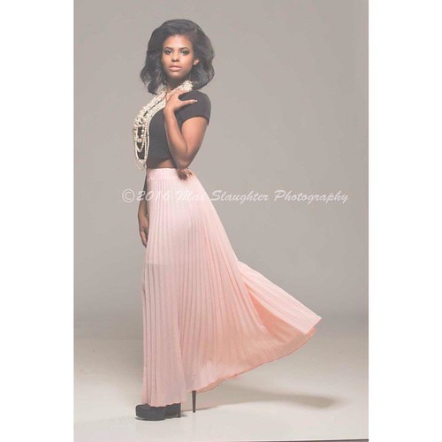 Ravishing Regina looks as if she should be on a magazine cover, perhaps she will eventually! #brunette #beauty #breathtaking #classy #sophisticated #gorgeous #stunning #striking #blackgirlsrock #studio #nikon #d800