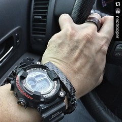 What an awesome wrist shot from @neotrooper ! #Repost @neotrooper  #tbt #titanium #casio #gshock modified #frogman #wccs #airdiver ; #carbonfiber goodness from @carbonfi and @jenniferrayjewelry ; #watchoftheday #toolwatch #jenniferrayjewelry #jrj #jrjc (JenniferRay.com) Tags: ray jennifer jewelry carbon custom fiber exclusive paracord jrj instagram