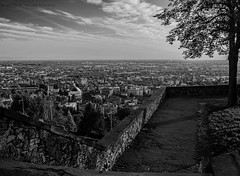 view (Rose-LlyodeLays) Tags: blackwhite vista mura bergamo bianconero cittalta