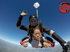 G0083790 (So Paulo Paraquedismo) Tags: skydive tandem freefall voo paraquedas quedalivre adrenalina saltar paraquedismo emocao saltoduplo saopauloparaquedismo