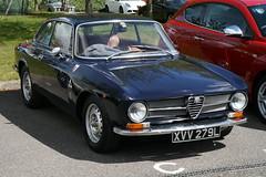 1973 Alfa Romeo Giulia GT 1600 Junior (davocano) Tags: brooklands autoitalia autoitalia2016 xvv279l