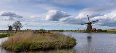 Kinderdijk 2 (ImageGraph-Y) Tags: windmill clouds cloudy nederland kinderdijk molen netherl