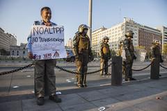 NO AL TPP CHILE (@jaranedab) Tags: chile santiago carabineros trans pacifico policia politica tratado transgenicos tpp corrupcion ffee palaciolamoneda noaltpp
