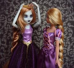 My crown! (Emily-Noiret) Tags: doll princess zombie disney once rapunzel mattel upon