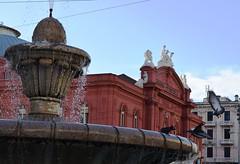 Bari, Corso Cavour (Luigi Corvaglia) Tags: urban fountain birds teatro uccelli fontana bari theather