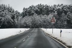 Road (fakepixilord) Tags: auto road schnee trees winter white lines car weather sign germany dark point deutschland nikon linen bad schild straight nikkor bume wetter weis dster geradlinig strase fluchtpunkt schlechtes d7100 landstrase 1685mm