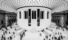 British Museum (andrea.prave) Tags: uk england people blackandwhite bw london blancoynegro museum architecture monocromo arquitectura museu noiretblanc musée bn lobby londres architektur museo britishmuseum atrium 建筑 londra pretoebranco architettura biancoenero inghilterra monocrome ロンドン müze 白黒 中庭 博物馆 архитектура 伦敦 музей atrio лондон zwartenwit שחורולבן מוזיאון لندن متحف 黑色和白色 アーキテクチャ ミュージアム μουσείο أبيضوأسود атриум schwarzundweis アトリウム هندسةمعمارية μαύροκαιάσπρο черныйибелый ਮਿਊਜ਼ੀਅਮ ਕਾਲਾਅਤੇਚਿੱਟਾ الأذين