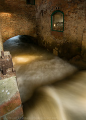 Mill race (Stuart Feurtado) Tags: longexposure brick mill water river flow buckinghamshire le bucks millrace greatouse
