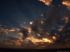 La Guajira. (Ivan Mauricio Agudelo Velasquez) Tags: sea sky cloud sun sol sunrise dawn mar colombia amanecer infinito horizonte caribe
