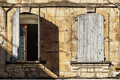 FRANA - Arles (Infinita Highway!) Tags: city trip travel cidade france window ventana europa europe frana finestra viagem janela arles fachada infinitahighway