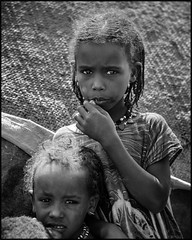 Afar kids (nahlinse) Tags: portrait film mediumformat fuji tribes neopan ethiopia acros afar fujineopanacros fujineopanacros100 film:brand=fuji film:iso=100 developer:brand=adox film:name=fujineopanacros100 adoxadonal developer:name=adoxadonal filmdev:recipe=9369