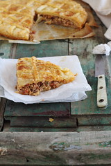 Empanada de hojaldre con carne y chorizo - Puff pastry pie with meat and sausage (Dolores (Mi Gran Diversion)) Tags: food pie recipe puff sausage meat pastry chorizo carne empanada empanadilla receta hojaldre migrandiversion