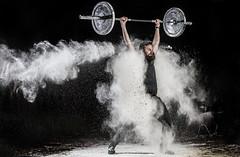 hipster realizando snatch (noor.khan.alam) Tags: spain hipster espalda deporte fitness gym gimnasio olimpiadas barba tatuaje atletismo powerlifting msculos pesas olmpico fuerza culturismo sentidas crossfit halterofilia