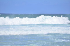 HWI_1048 (Ikuhito) Tags: ocean blue cloud beach hawaii oahu wave northshore