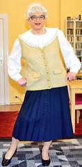 Ingrid021883 (ibach411) Tags: skirt blouse mature button waistcoat bluse pleated weste faltenrock durchgeknpft