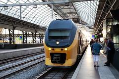 NS, Amsterdam 2014-06-15 (Michael Erhardsson) Tags: holland station amsterdam juni railwaystation resa sommar centraal 2014 plattform nederlnderna resenrer tgtyp