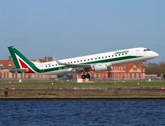 Alitalia                                  Embraer E190                                 EI-RNE (Flame1958) Tags: londoncityairport londoncity 190 alitalia embraer 2016 0416 cityairport lcy cityliner e190 200416 alitaliae190 eirne alitaliacityliner