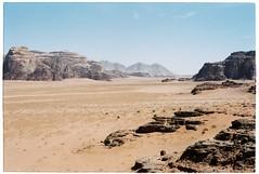 (tayn3) Tags: 35mm landscape desert wadirum middleeast olympus jordan arabia fujifilm 100 olympusom2 lawrenceofarabia epic biblical levant fujicolor 100iso om2n kodak100 fujicolor100